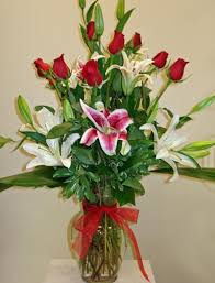 florist naples fl roses and lilies in naples fl gene s 5th ave florist