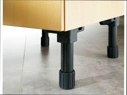pied meuble cuisine pied de meuble de cuisine excellent great meuble cuisine pour four