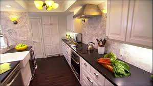 Maple Kitchen Cabinets With Granite Countertops Kitchen Dark Floor Kitchen Modern Kitchen Colours Maple Kitchen