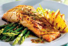 cuisiner pave de saumon filet de saumon beurre au poivre et à l estragon coup de pouce