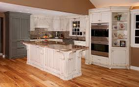 Furniture White Antiqued Kitchen Cabinets With Mosiac Backsplash - Stainless steel cooktop backsplash