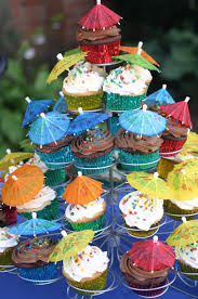 best 25 hawaiian cupcakes ideas on pinterest luau cupcakes