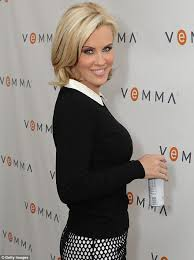 jenny mccarthy view dark hair jenny mccarthy posts make up free selfie as she groans about lack