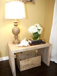 Furniture Adorable Traditional Side Table With Nice Lamp Shade