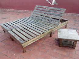 chaise longue palette chaise de bar en bois de palette r cup chaise longue en