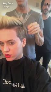 katy perry now has an insanely cool undercut pixie haircut glamour