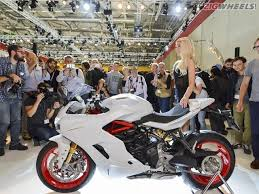 2017 ducati supersport s wallpapers 2016 intermot ducati supersport s photo gallery zigwheels