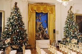 obama unveils 2013 white house decorations