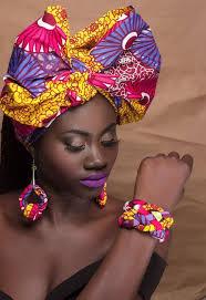 Tout Le Meme - attach礬 foulard 15 fa礑ons de les faire golden betty black