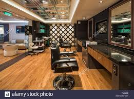 mens hair salon stock photos u0026 mens hair salon stock images alamy