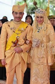 sultan hassanal bolkiah sultan of brunei u0027s son prince abdul malik gets married in a sea of
