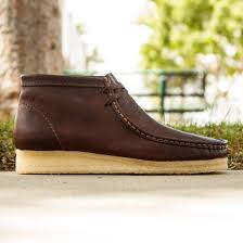 clarks men wallabee boot brown rust leather