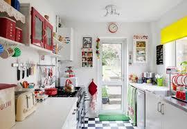kleine kche einrichten kleine küchen einrichten niedliche design weißen küchenschränke