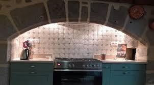 carrelage cuisine 10x10 faïence et carrelage mural de cuisine carreaux artisanaux pour