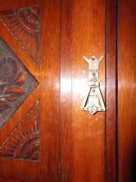 Wohnzimmerschrank Vitrine Innenarchitektur Kühles Kleines Vitrine Wohnzimmer Nussbaum