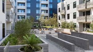 Apartment Courtyard Azure Apartments Reviews In Mission Bay 690 Long Bridge Street