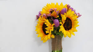 sunflower bouquets sunflower bouquet tutorial budget friendly beauty