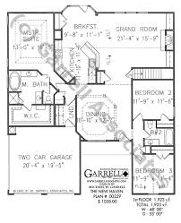 small one story house plans highlighting this ranch style house plan the grand room is
