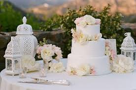 beyond the aisle cake table ideas part ii