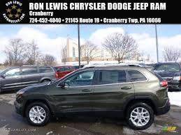 green jeep cherokee 2014 2014 eco green pearl jeep cherokee latitude 4x4 90527379