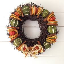 how to make a dried fruit wreath