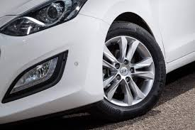 hyundai i30 review carzone new car review