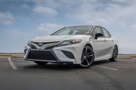 lexus es vs toyota avalon toyota camry xse vs lexus es is the luxury nameplate necessary