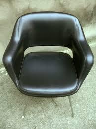 fauteuil de bureau cuir vintage fauteuil noir type eero saarinen adopte un meuble