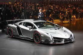 Lamborghini Veneno On Road - lamborghini veneno vs bugatti veyron auto passion pinterest