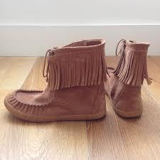 ugg womens kaysa shoes black 71 ugg shoes ugg kaysa fringe moccasin boots from lynnie s