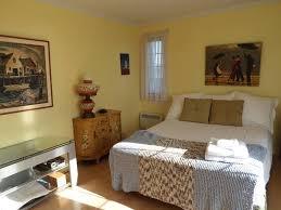 chambre lumiere gîte lumière sur le golfe bed and breakfasts gaspé cap des rosiers