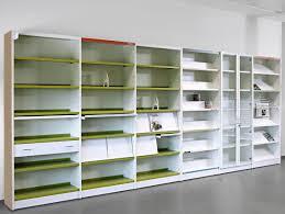 pr駸entoir bureau présentoir pour brochures en bois à panneau pour bureau