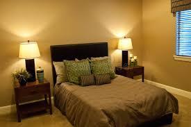 chambre sous sol chambre à coucher de sous sol photo stock image du personne