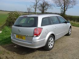vauxhall astra estate 2004 2010 buying and selling parkers