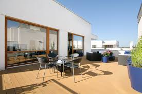 Rooftop Deck Design by Penthouse Located In Wilanã W Designed By Hola Design Keribrownhomes