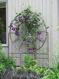 Metal Garden Trellis Uk These Metal Garden Trellises Are Beautiful With Or Without Plants