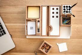 accesoires de bureau accessoires de bureau en liege pour espace de travail minimaliste