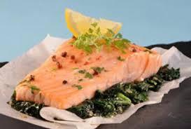 cuisiner pavé saumon recette pavé de saumon aux épinards 750g