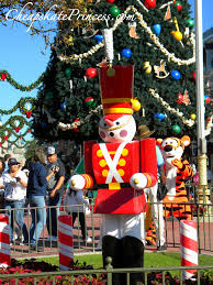 facts about disney world decorations disney s