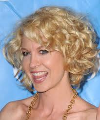 hairstyles for short curly layered hair at the awkward stage short blonde curly hairstyles for women short blonde curly