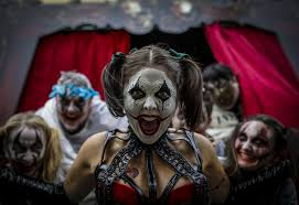 halloween horror nights frequent fear pass regular haunt universal finds fans want horror every night