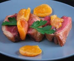 comment cuisiner un filet de canard rôti de magret ou filet de canard aux abricots secs recette de