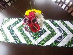st patrick s day table runner st patricks day decorations your next sewing project saints