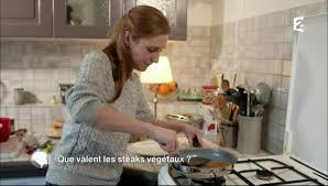 c est au programme recettes cuisine notre recette de steaks végétaux dans l émission c est au avec c est