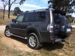 2014 mitsubishi pajero price features and specifications