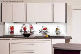 plexiglas für küche erdbeer motiv küchenrüchrückwand