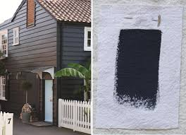 railings no 31 paint off black brown roofs and black exterior
