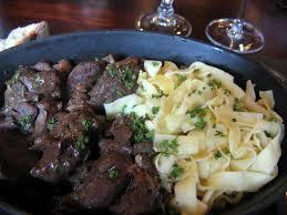 cuisiner un lievre au vin civet de lièvre la recette civet de lièvre bon vin et bon vin
