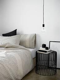 chevet chambre 1001 idées pour une le de chevet suspendue dans la chambre