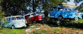 volkswagen van hippie les 16 plus beaux combis volkswagen de légende le petit shaman